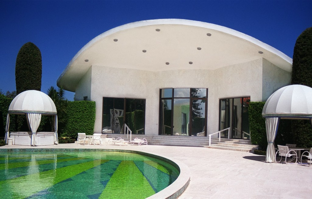 La Ronda, an estate designed by Architect John Volk in 1969, was demolished in 2003